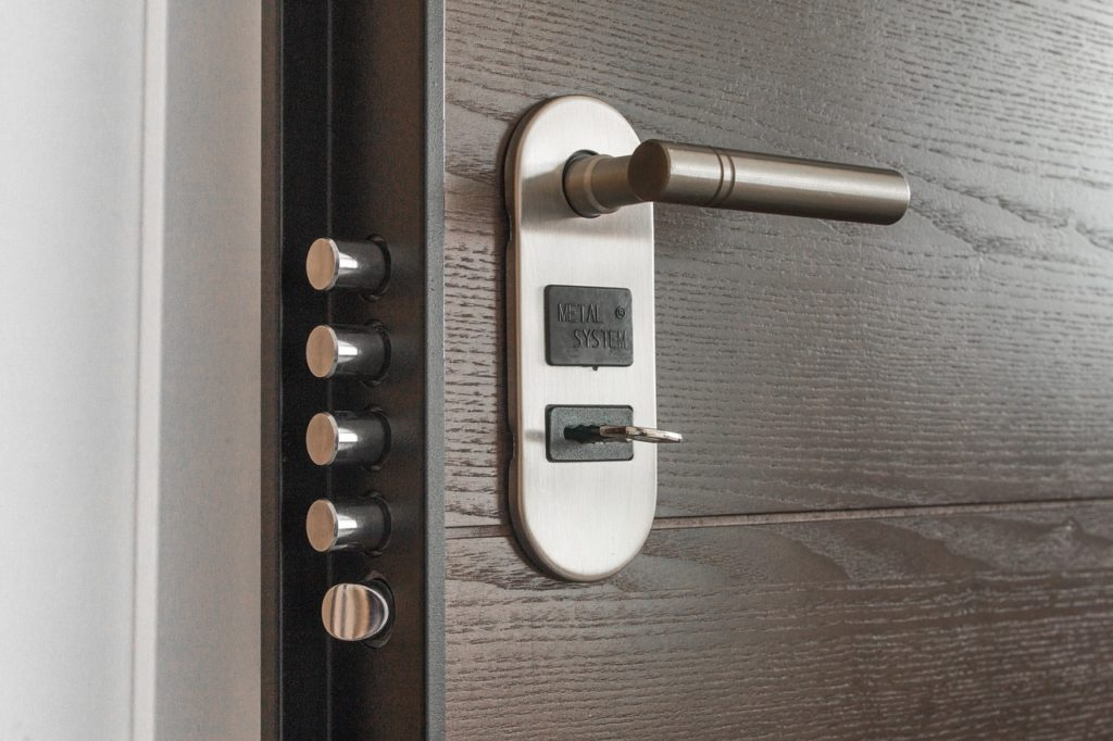 Ce qu'il faut savoir avant de changer la serrure d'une porte d'entrée